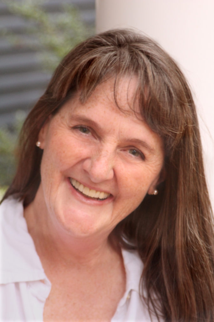 Lisa Bates Podcaster